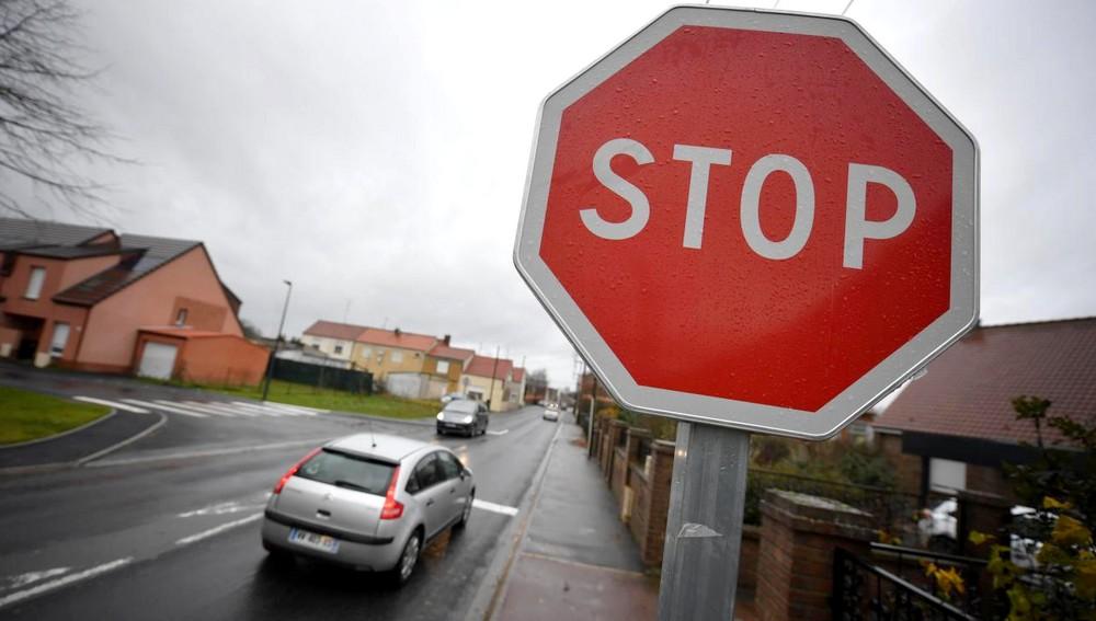 Ce qu'il faut savoir sur les panneaux STOP